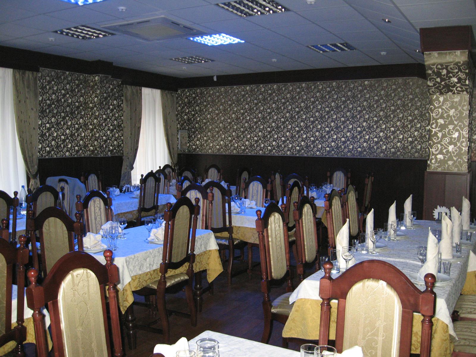 Ресторан - Малый зал - Для увеличения кликните по изображению